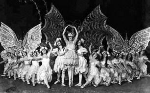 Ziegfeld-Girls-03