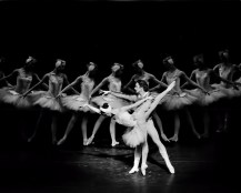 Cynthia Harvey and Mikhail Baryshnikov - Swan Lake