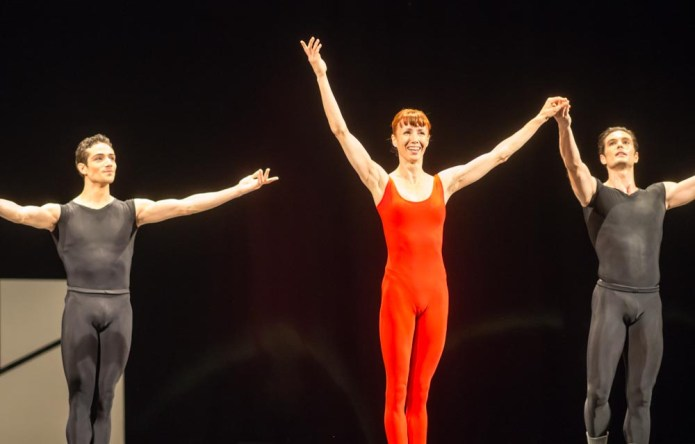 Sylvie Guillem after Steptext MaggioDanza 700x448 Sylvie Guillem shines in Forsythes Steptext in Florence