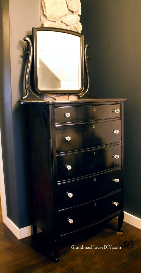 Paint an old dresser with a mirror black and add glass knobs for an old Hollywood look and feel in our master bedroom! @GrandmasHousDIY