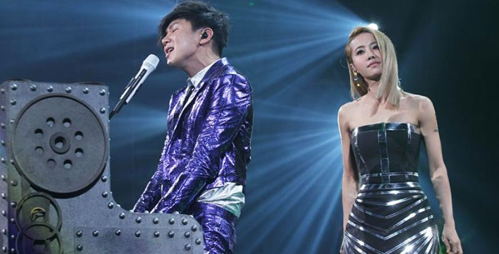 Jolin Tsai 蔡依林 performing at JJ Lin 林俊杰 concert
