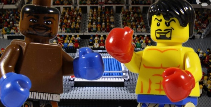 The Mayweather-Pacquiao fight is so much better in Lego form. (photo: The Guardian)