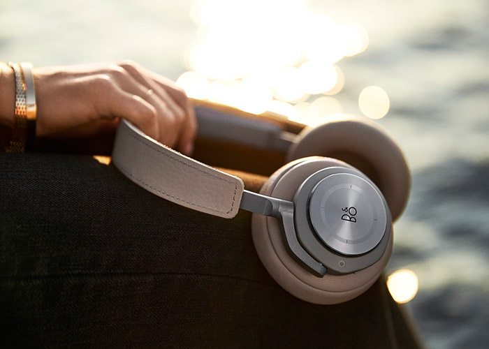 B&O BeoPlay H9 in Argilla Grey