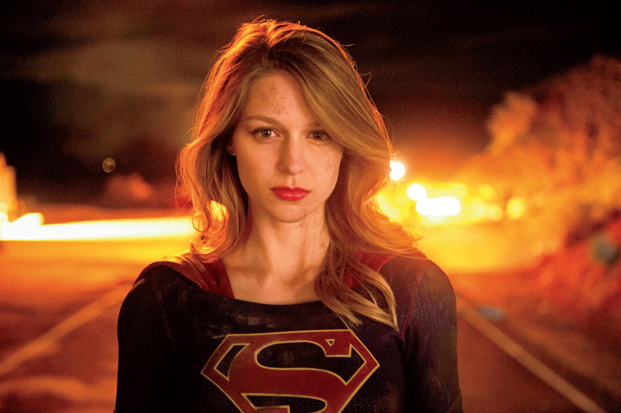 Smoking Girl Full Hd Wallpaper Fotos De Supergirl Imagenes De La Serie De Supergirl Gratis