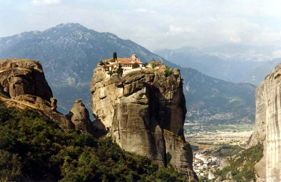 Meteora Greece The Amazing Clifftop Monasteries