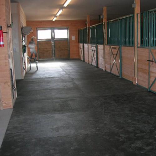 Horse Stall Mat Kit 10x10 Ft Interlocking Black Punter