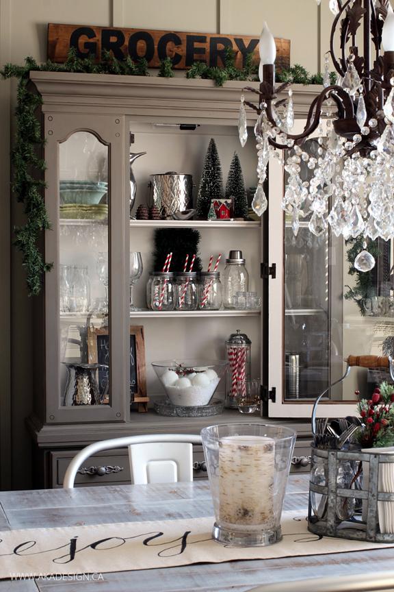 CHRISTMAS-DINING-ROOM-HUTCH