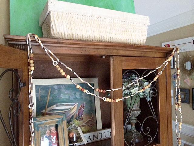 bead & straw garland 2
