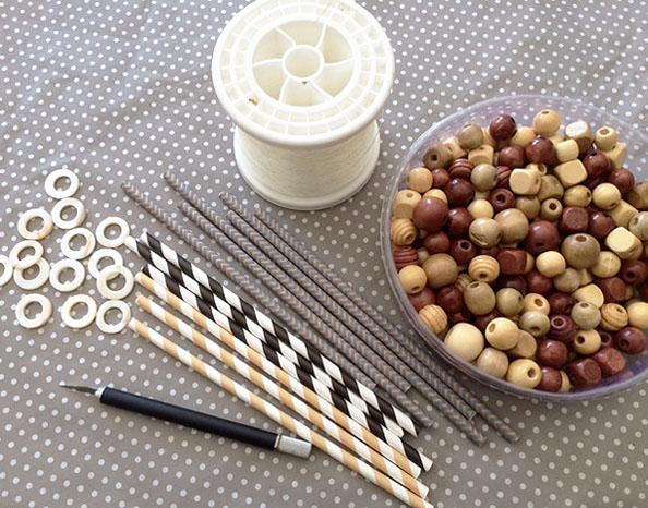 bead & straw garland mats