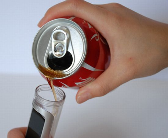 coke powered cell phone 4