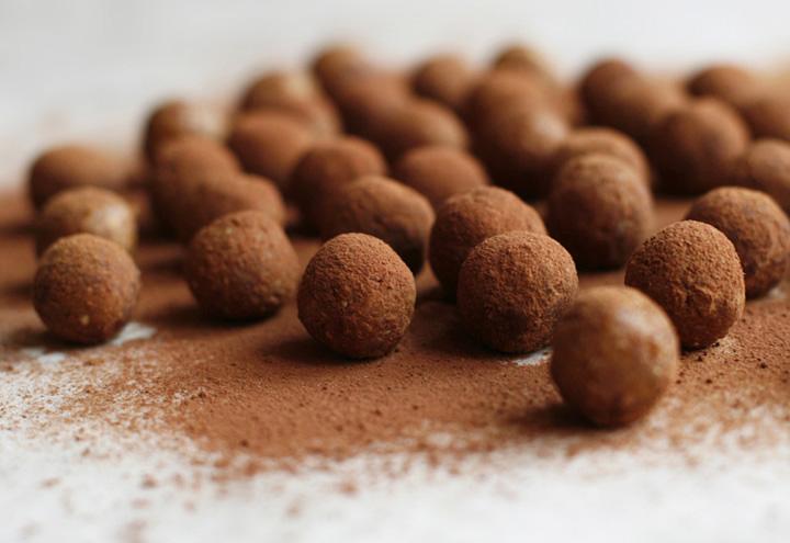 Rosehip truffles