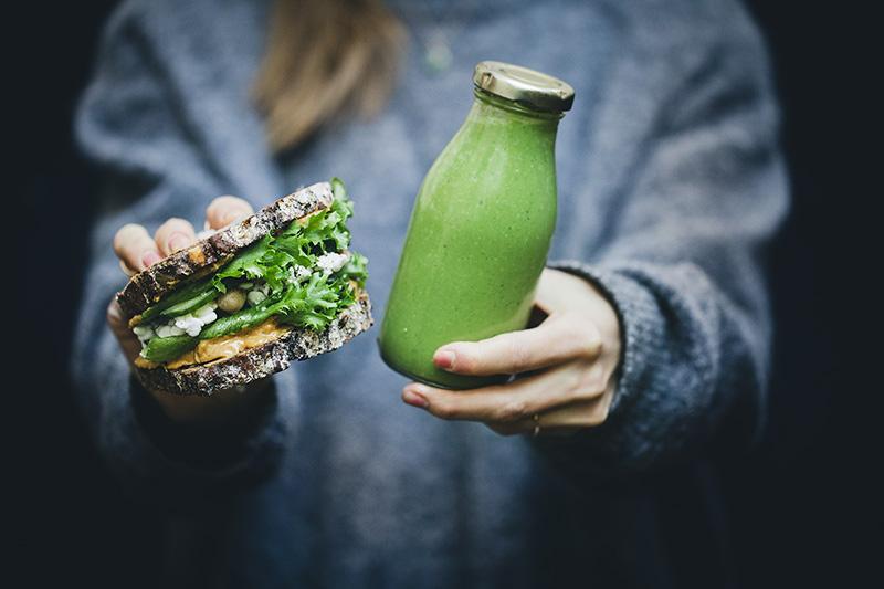 Green_pb_sandwich_smoothie_1