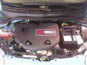 800px Fiat TwinAir 300x225 Fiat 500 Proves Efficient Internal Combustion Engine Not Dead