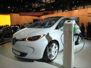 800px Vehicle plug in charging station In Spite of Lagging Economy, Plug In Vehicles Top October Sales
