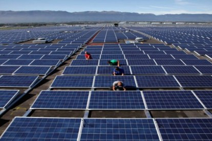 solar panels Nation's Largest Community Owned Solar Facility Now Available