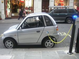 Electric Car 300x225 How EU Strives to Lower Carbon Emissions with Hybrid and Electric Cars