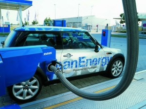 Hydrogen Car 300x225 Greenhouse Gas Emissions and Petroleum Use May Drop 80% by 2050