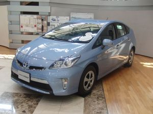 Toyota Prius PHV 2 300x225 Electrified Vehicles to Double Market Share by 2020, Survey