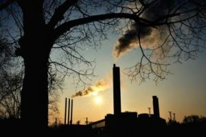 smokerisesfr 300x200 Europe Air Pollution Drastically Reduced, EEA Says