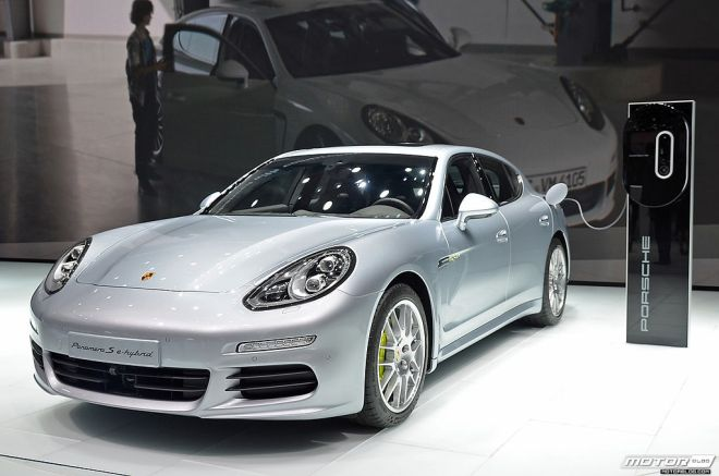 IAA 2013 Porsche Panamera S e hybrid 9834184944 2014 Green Car Technology Award Nominee – Porsche PHEV Powertrain
