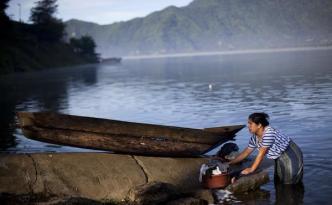 062714-Atitlan-Guatemala_full_600