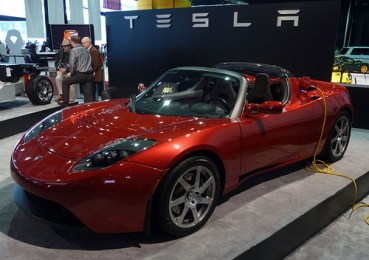 Gulf Nations Look to Tesla's Electric Roadster to Speed Around Middle East