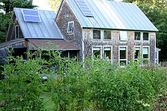 Gil Reviews 'Solar Homesteading Simply,' a DIY e-book by LaMar Alexander