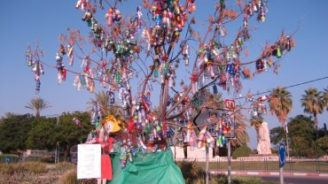 """Hope Tree"" of Bottles for the Sea of Galilee"