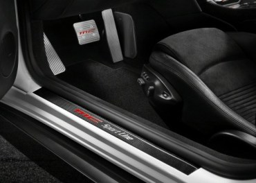 "Lebanese Prefer ""Green With Envy"" Maseratis Over Eco-Friendly Hybrids Cars"
