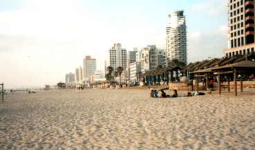Leaked Poop Forces 2 Tel Aviv Beach Closures