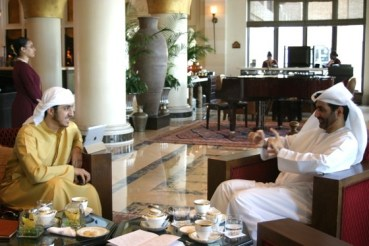 """Dine with an Unconventional """"Green"""" Sheikh"""