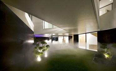 Cool Kuwaiti Home Foils Peeping Toms