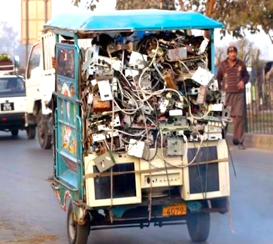 Pakistan, E-waste, soil contamination, water contamination, pollution