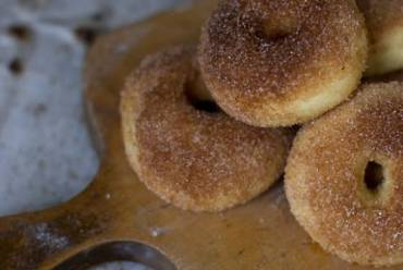 RECIPE: Baked Sufganyot For A Healthier Hannukah