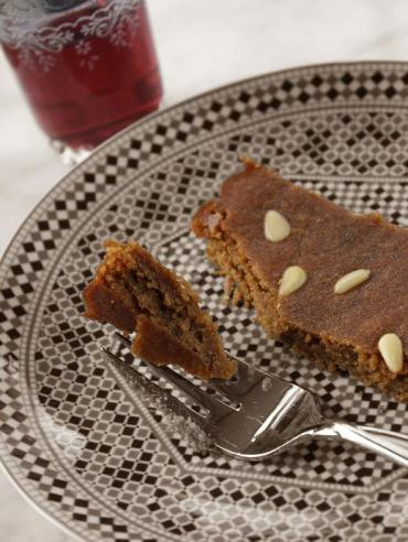 Almond Torte With Pomegranate Molasses – Weekly Vegewarian Recipe