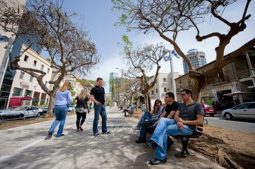 Green Tu B'Shvat Tour of Tel Aviv Celebrates the City's Planted Areas