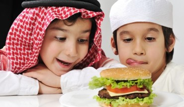 Saudi Arabia's Fast Food Boom is Finger Lickin' Awful