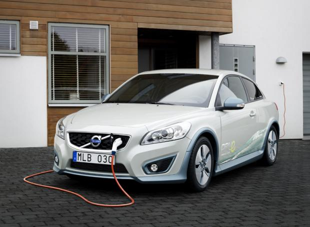 Volvo's C30 Electric Car Combines Green Technology With Safety
