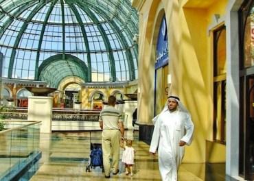 Dubai Radio Mauls Gulf's Un-green Malls