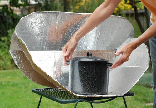 Build a Solar Cooker And Let The Sun Do Your Cooking (with Soup Recipe)