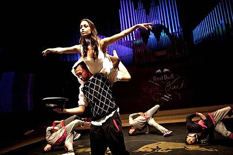 Flying Bach Dances Through Dubai