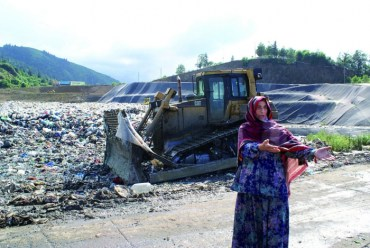 Polluting Paradise Documentary Follows Turkish Village's Battle Against Invading Garbage