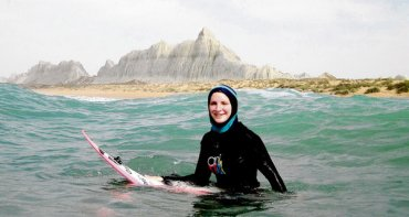 Irish Environmentalist Easkey Britton Surfs Iranian Waves [VIDEO]