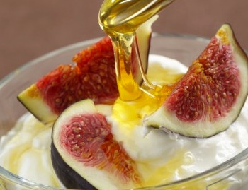 Indulge in Baked Figs, Yogurt, and Honey