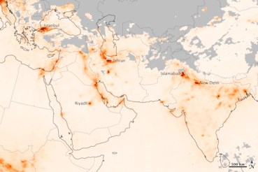 Hard To Breathe In the Middle East – Latest NASA Images