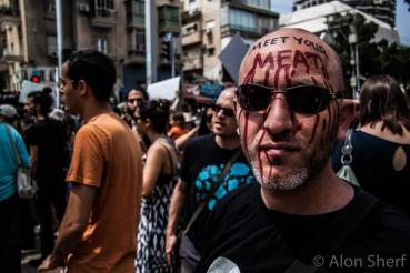 Israel Arrests Ten 269life Animal Rights Activists, 300 Protest in Tel Aviv