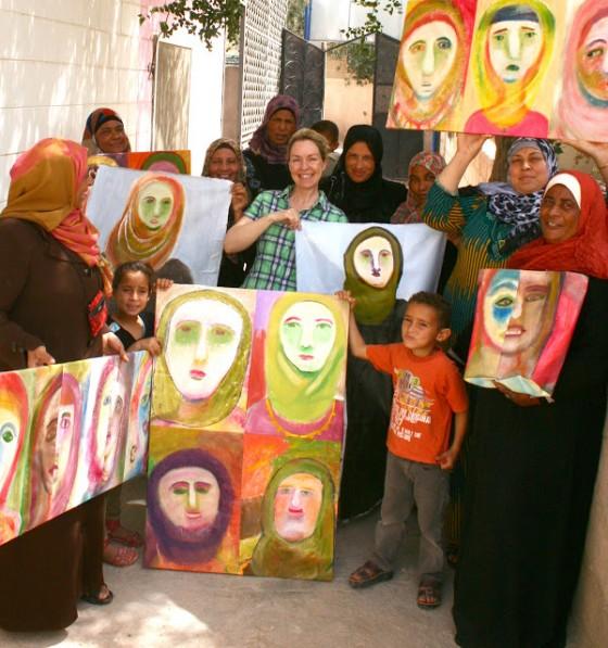 Jordan Women's Guild in Safi has Sustainable Art in the Bag