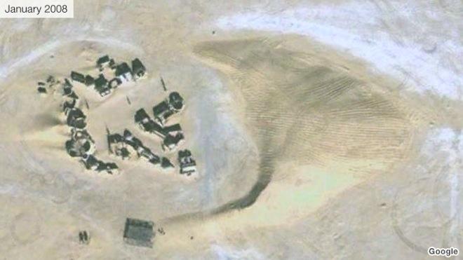 Tunisian Desert Dunes Threaten Darth Vader's Tatooine Home