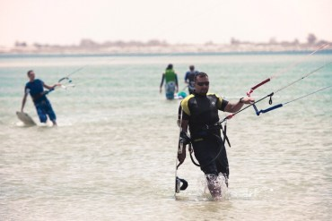 Post-Revolution Libyan Kitesurfers Reclaim Their Turf
