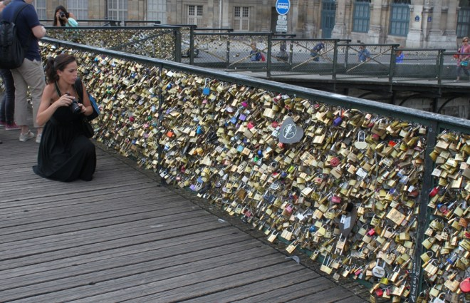 love lock Paris bridge
